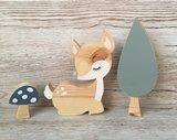 houten hertje, boom en paddenstoel babykamer decoratie thema bosdieren