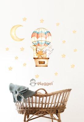 Muursticker droomwereld giraf, vosje, konijn, olifant en vogeltje in luchtballon