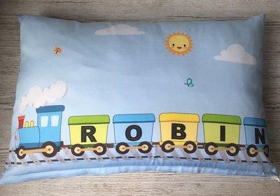 Kussen trein met naam baby en kinderkamer